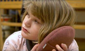 inmu sensorisches Kissen als pädagogisches Aufmerksamkeit schaffendes Werkzeug für Kinder
